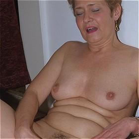 Oma Sex haarige alte saggy